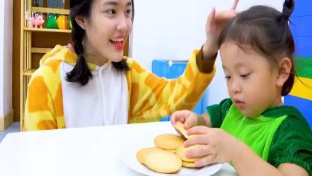 国外萌宝时尚:小女孩一家在玩什么有趣的游戏呢,一起来看看吧