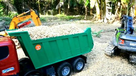 汽车玩具视频 卡车载着稻谷出发突破重重困难到达终点
