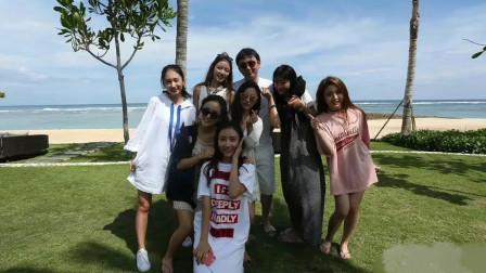 王思聪和7位美女合影稳居C位,网友:现实版的韦小宝