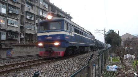 京广线:武南DF8小运转列车通过