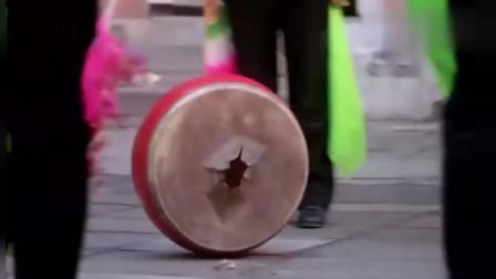 广场舞大妈扰民实在是太可恶,小伙子的做法简直大快人心