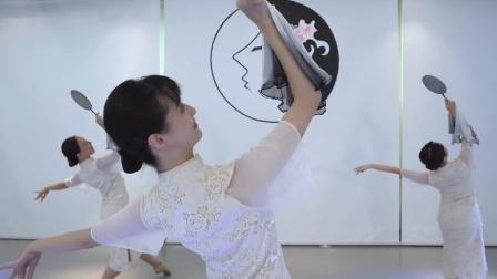 孙科舞蹈工作室#古典舞《冠玉》戏腔小曲,韵味十足。编表:赵乙洁 表演学员:周菀汀、王珠郦