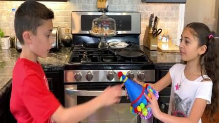 美国时尚儿童,萌宝姐弟在吃什么好吃的,一起来看看吧
