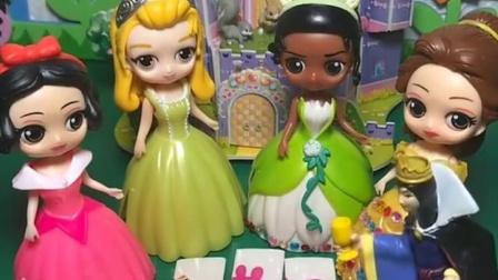 有趣益智宝宝早教:王后给公主们发玩具啦