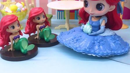 玩具早教宝宝益智:妈妈帮美人鱼变出漂亮的衣服,谁更好看呢?