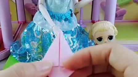 亲子有趣幼教玩具:做个王冠给萌萌玩具