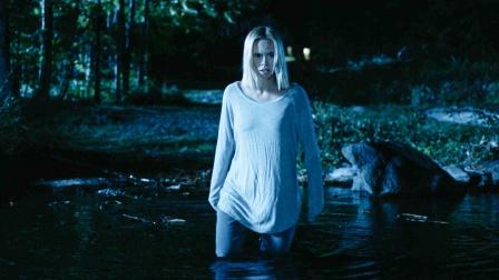 妈妈刚交了个新男友,可每晚都要到湖边,少女好奇查看脸色巨变