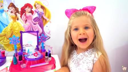 美国时尚儿童,小公主发现了什么好玩的会,古灵精怪的