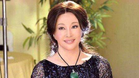 结婚4次没能生下一儿半女,65岁刘晓庆道出实情,原因让人心疼