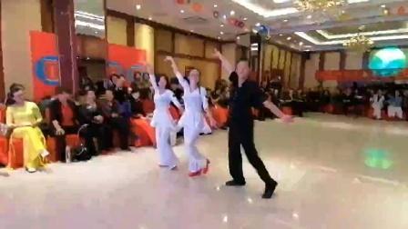 红霞飞老师,阿文老师,二小老师吉舞一托二表演聚舞庆典,李辉传