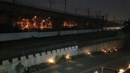 D9488南京站开出