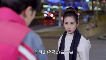 最好的安排:他在上海街头摆摊炒菜,被城管抓也得给她做饭吃