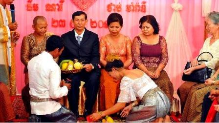 难怪中国男性不愿娶柬埔寨姑娘,看到这一习俗,感觉脸都丢光了