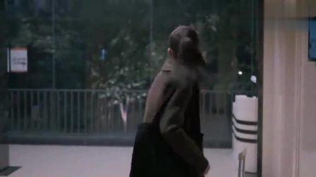 欢乐颂2:樊胜美心情不好,关关莹莹担心,提前回来给她惊喜!