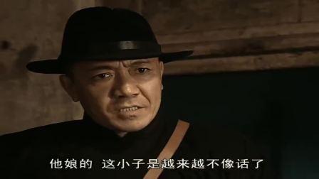 李云龙和赵刚拌嘴,和尚偷摸揣了两瓶酒和烧鸡,太搞笑