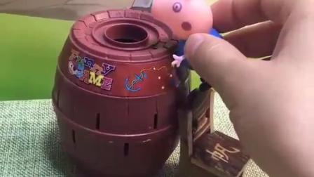 早教益智幼儿:不要好奇掉桶里了吧