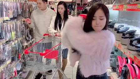 跟老婆出门逛超市,真是处处是危险,还好拦住了!