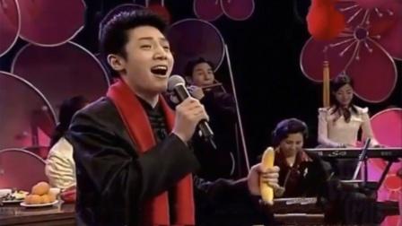 撒贝宁父母罕见露面,一家人合唱《小白杨》,撒贝宁唱歌片段