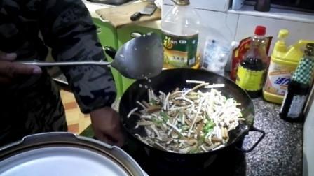 天天钓鱼,难得下厨做饭,今天晚饭准备炒三个菜吃