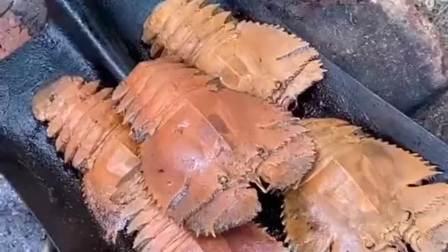 农村娃第一次煮琵琶虾,放入烧烤调料,没想到别有风味!