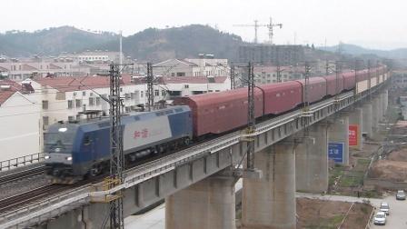京广线:武局江段HXD1B牵引全列JSQ通过