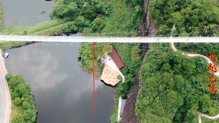 广西大山里投资千万的玻璃桥,100米高空横跨而过,看着都脚软