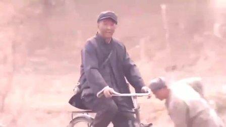 老农民:王万春来给牛大胆报喜,牛大胆被评上了县里的休息模范