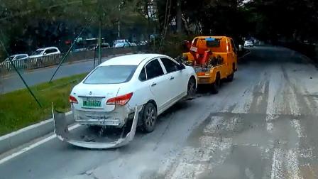 交通事故合集:女司机路边随意停车,遇见新手上路就尴尬了