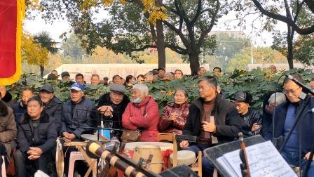 浦江婺剧徐继辉在周日文化娱乐队演唱《凭栏正值南风起》