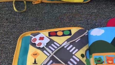 宝宝早教益智布书玩具,可水洗,撕不烂#视频同款玩具在主页资料的优酷小店里面有