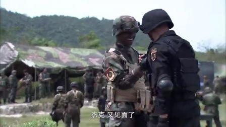 火蓝刀锋:外国佬看不起中国枪,美女大秀枪技,怒怼外国佬