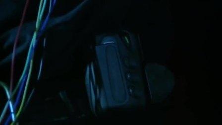 黑侠:黑侠解除炸弹,两人分头行动,石探长却被反派老大打晕