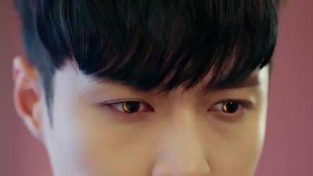 黄金瞳3:最不起眼的石头居然开出了翡翠,小伙赌石全靠透视眼