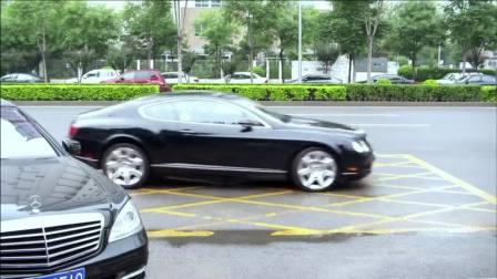 同学以为吴磊没人接送,下秒门口就来辆豪车,太气派了