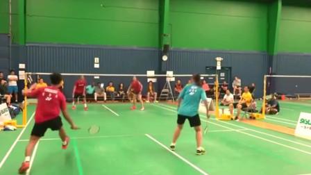 高强度羽毛球比赛 :简直没想到低视角看真精彩!