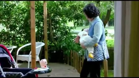 断奶:新保姆对于干家务还行,带孩子就没那么利索了