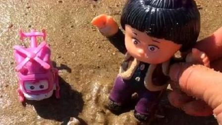 嘟嘟别伤心了,小小爱帮你做沙子章鱼好不好?