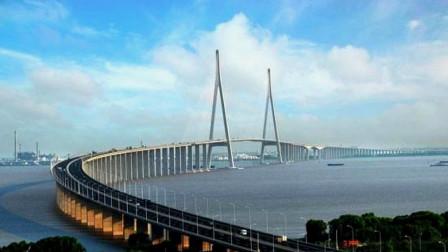 """英国人想不通:中国花费上千亿,打造一座""""不能通行""""的桥?"""