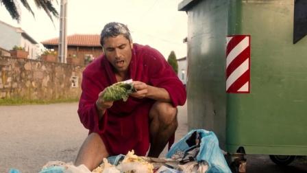 男子中了2亿大奖后,不想给妻子分钱,竟把自己伪装成了乞丐!