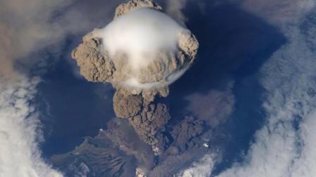 火山爆发遇上超级龙卷风,会是怎样的场景?这才是天雷勾地火
