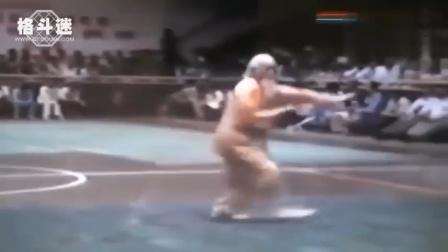 百岁老人武术现场表演