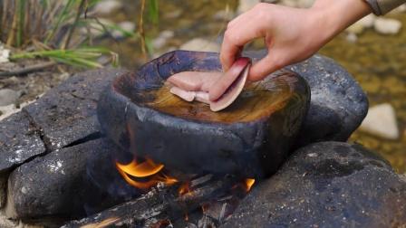 简简单单吃个石板腰子辣条!