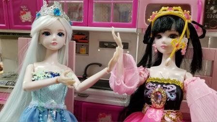罗丽把冰公主出的所有谜语都猜对了,冰公主得陪罗丽逛街了