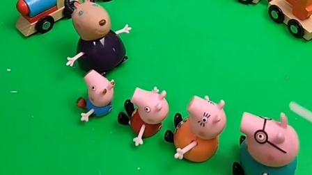 小猪一家想要坐小火车,山羊老师会让他们坐吗?