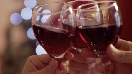 """酒后千万别吃这些食物,相当于""""致命药"""",过年喝酒注意了!"""