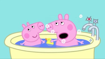 小猪佩奇:佩奇身为姐姐,带着弟弟跳泥坑,弄了一身的泥