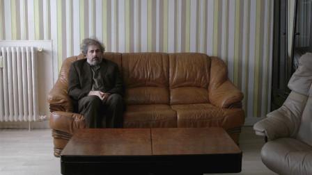 这是一部讲述孤独的电影,平淡无奇,评分却离奇的高