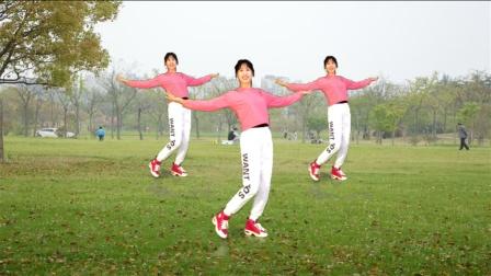 热门网红32步《哈喽》很火,一跳就开心,跳出好身材