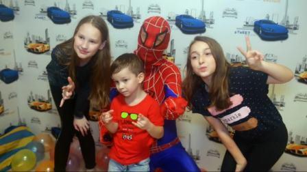 当给你过生日的人是蜘蛛侠是什么体验?估计小朋友一生难忘啊