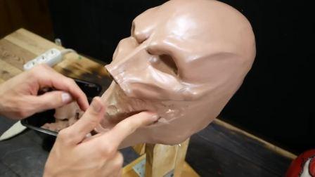 改装版的毒液面具,纯手工打造,和影片中的毒液相比哪个更霸气?